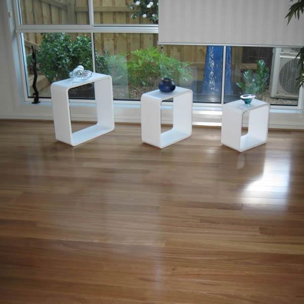 11 Solid Timber Floor Jennifer